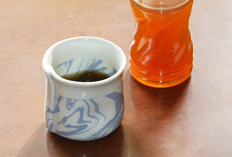 ペットボトルと茶碗